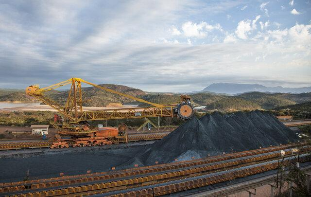 قیمت سنگ آهن با عرضه در بورس کالا آزاد گردد